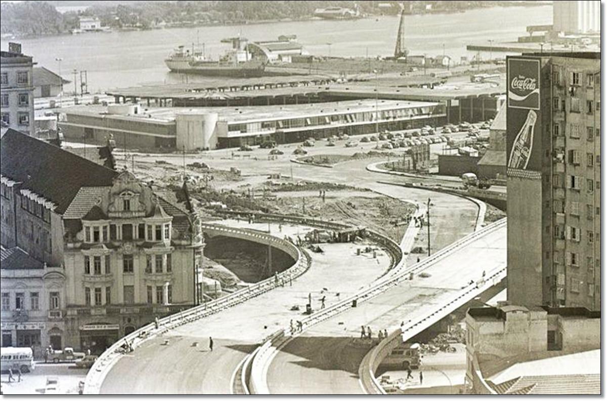 Obras viaduto da Conceição 1972.