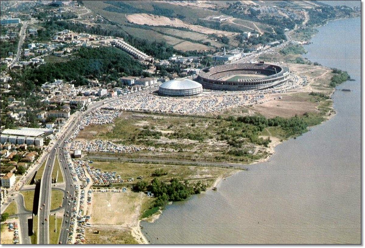 Estádio Beira Rio déc. 1970.