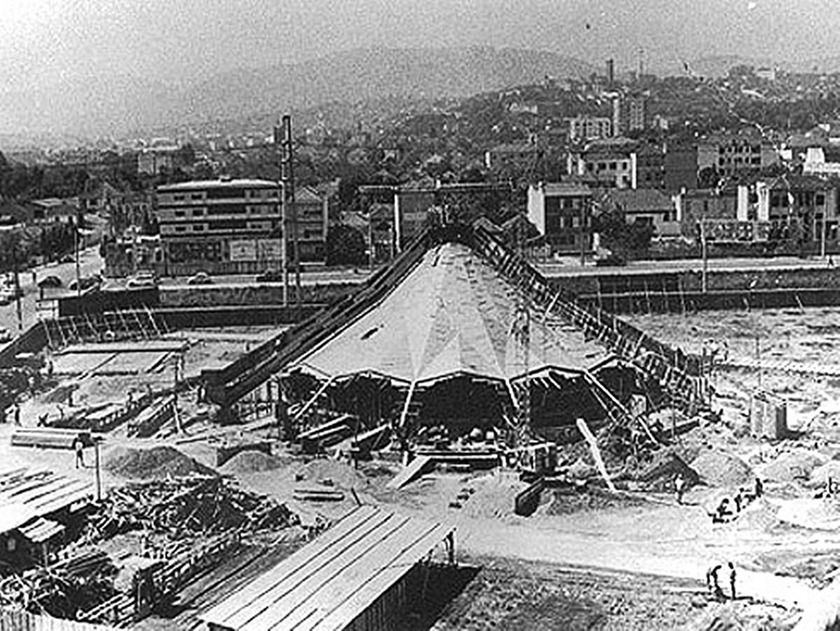 Construção do planetário em 1971