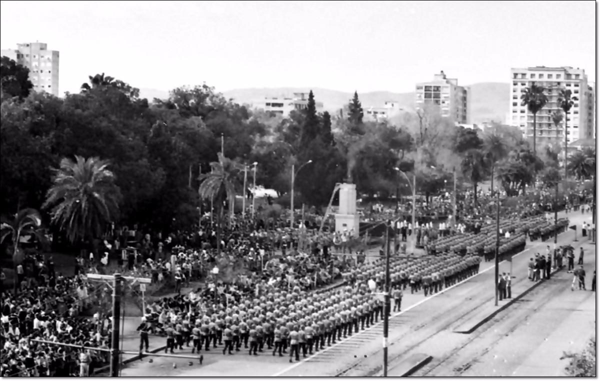 Desfile cívico 1967 av. João Pessoa