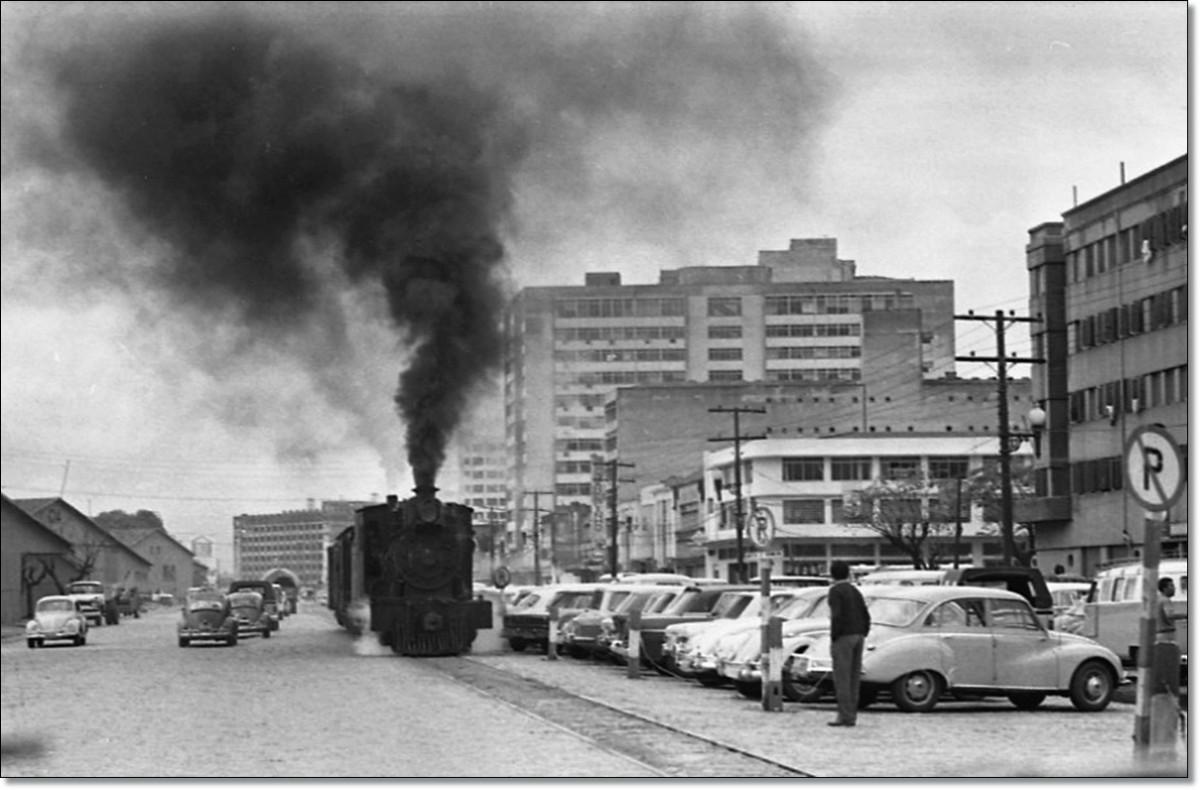 Locomotiva no centro 1970