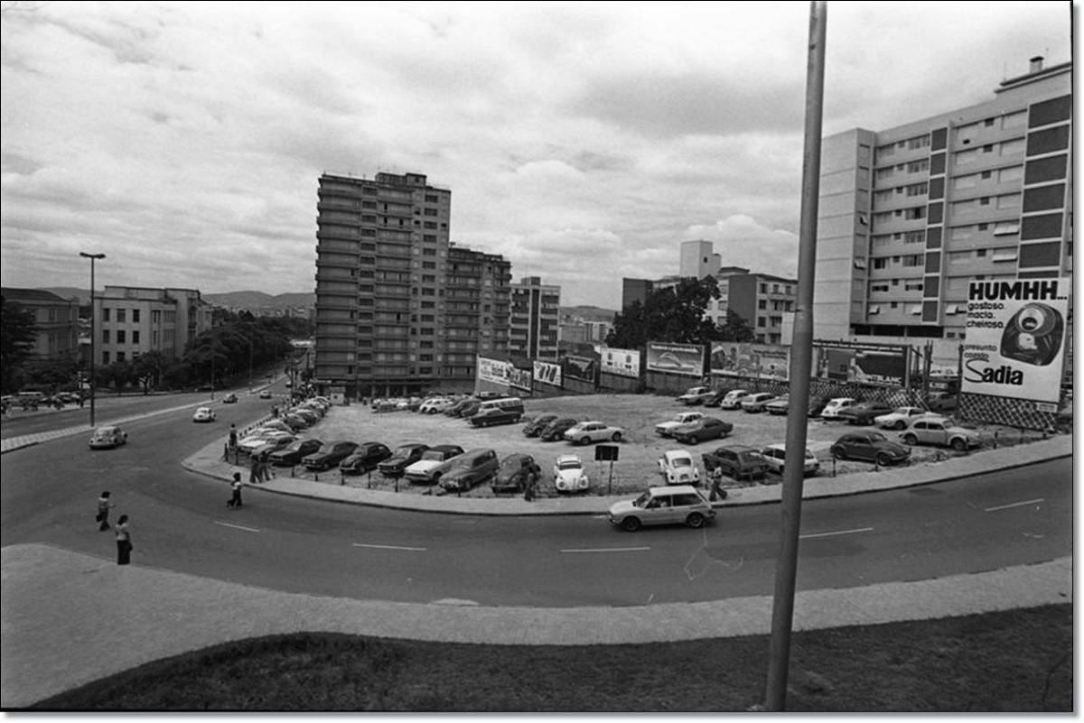 Esq. Rua Duque de Caxias e Av. João Pessoa 1975.