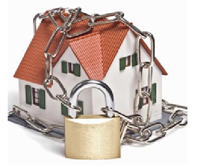 Todavia, é inequívoca a distinção do bem de família decorrente de previsão na Lei nº 8.009/1990, independente de estipulação pelo proprietário e respectivo registro no Cartório Imobiliário