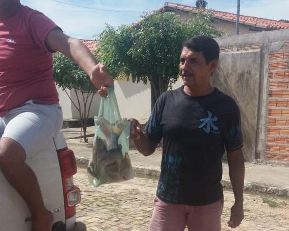 Prefeitura realiza tradicional entrega de peixes para a Semana Santa no município