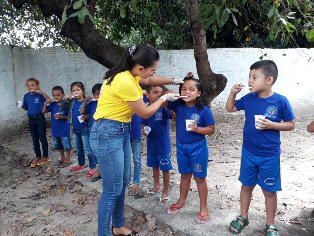 Programa Saúde na Escola em Pau D'arco do Piauí, realiza palestra de Higiene Bucal, escovação dental supervisionada e aplicação de flúor