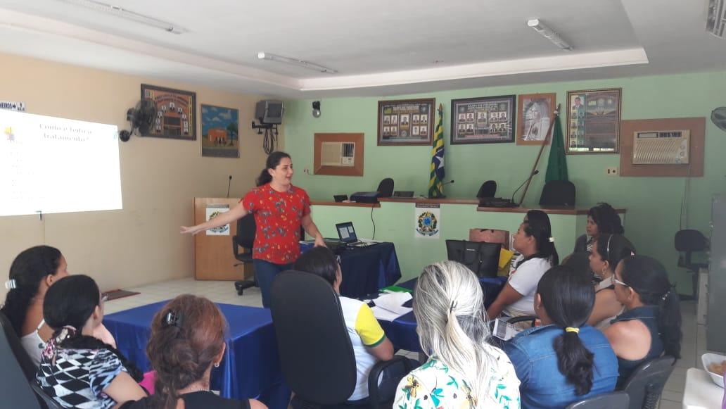 Profissionais da saúde de Pau D'arco do Piauí recebem capacitação em tuberculose