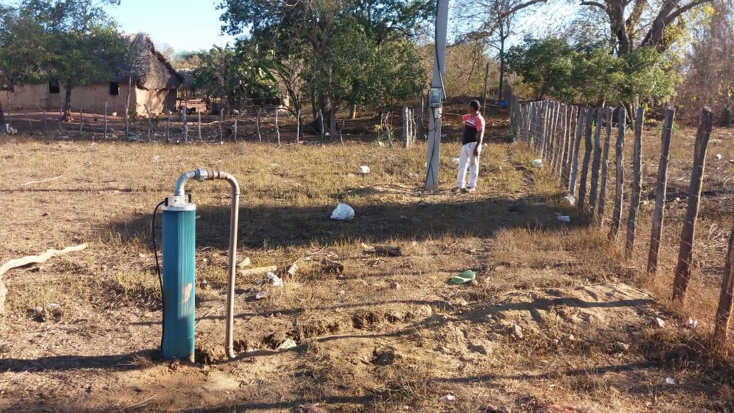 Prefeitura instala bomba de água na localidade Chatinho