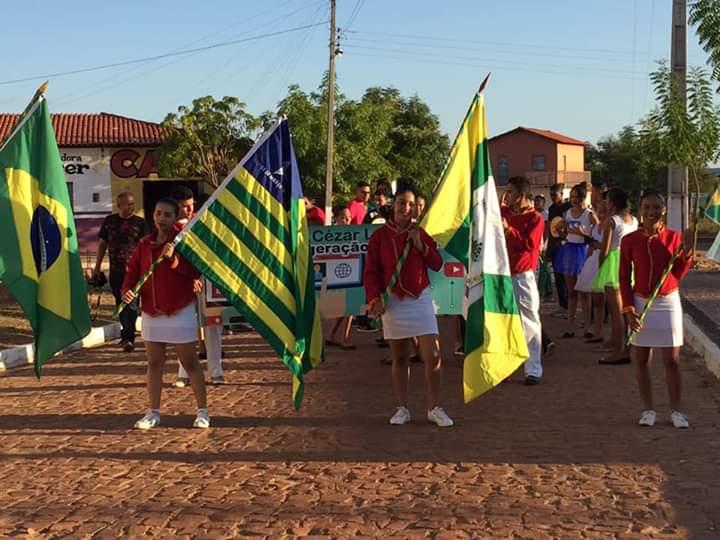 Prefeitura de Pau D'arco do Piauí realiza desfile de 7 de setembro