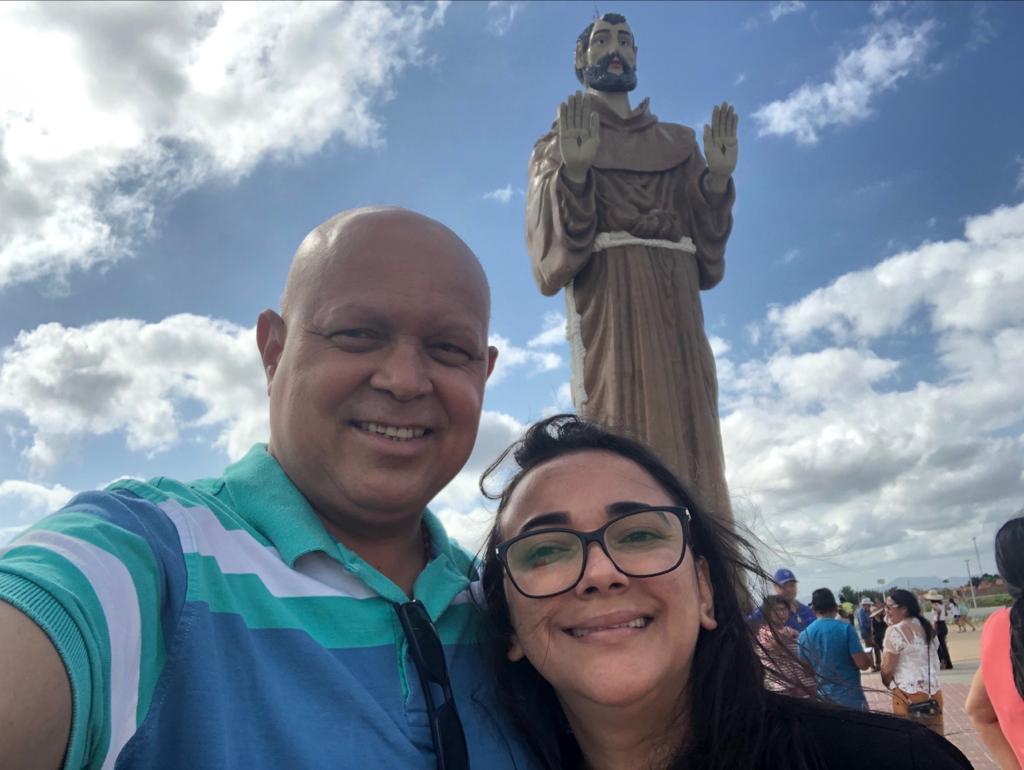 Prefeito de Pau D'arco paga promessa em Canindé