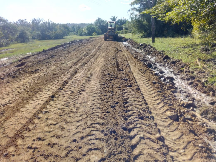 Prefeitura recupera estradas vicinais afetadas pelas fortes chuvas