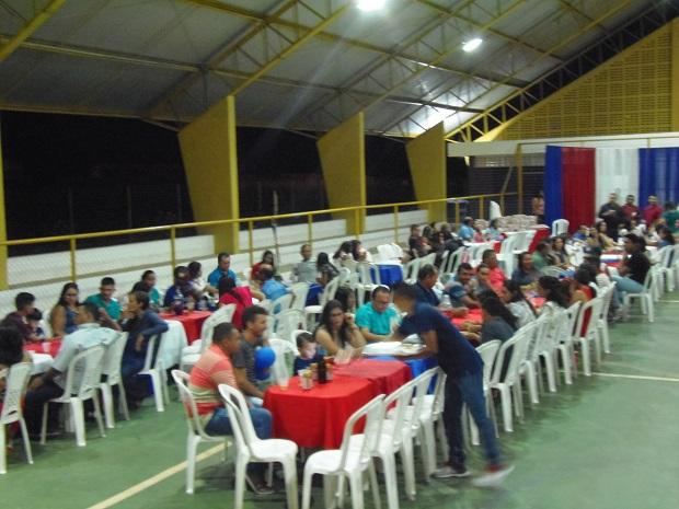 Atualizado em 28/12/2018 às 14:40 horas  Prefeitura de Pau D'arco do Piauí realiza festa de confraternização dos servidores municipais