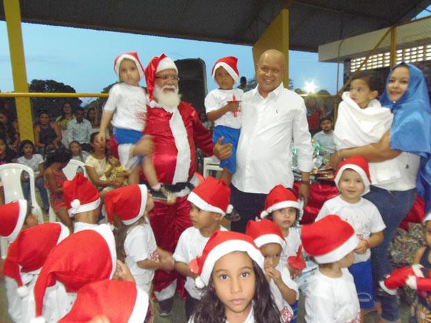 Prefeitura realiza solenidade de encerramento do ano letivo em Pau D'arco