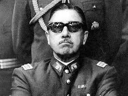 Pinochet - Ditador e depois senador vitalício - Tinha cara disso
