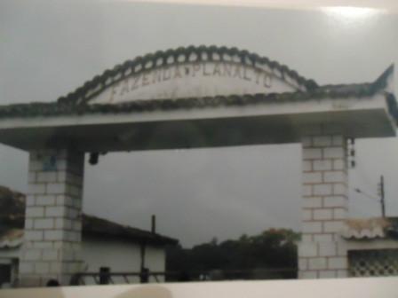 Portal de entrada da Fazenda Planalto