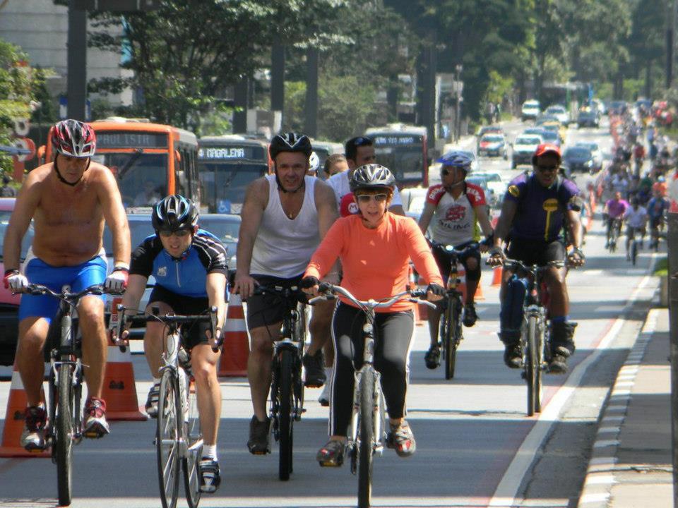 pedalando nas ruas