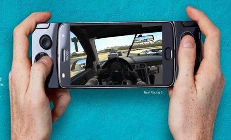"""O novo """"Snap Gamepad"""" da linha Moto Z chega ao Brasil em 5 de outubro por R$ 799"""