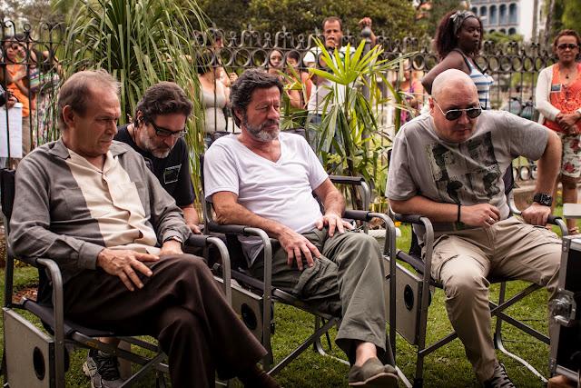 José Wilker, Joaquim de Almeida e Leonel Vieira numa pausa das filmagens