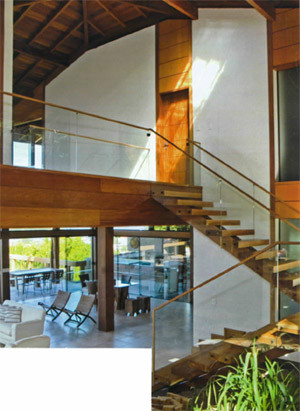 Escada 13