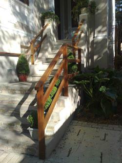 Escada 16