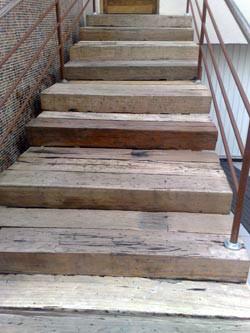 Escada 17
