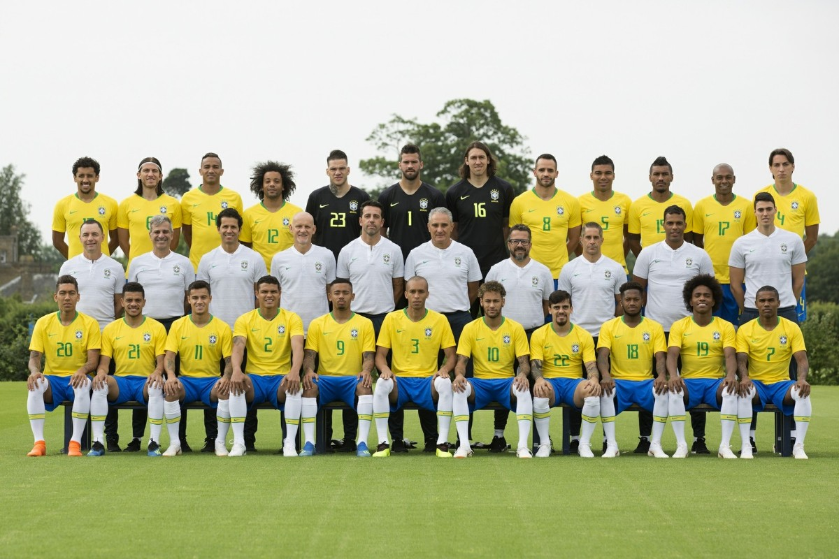 https://img.comunidades.net/nn4/nn40/fotodddddselecaodobrasiloficialcopa20118.jpg