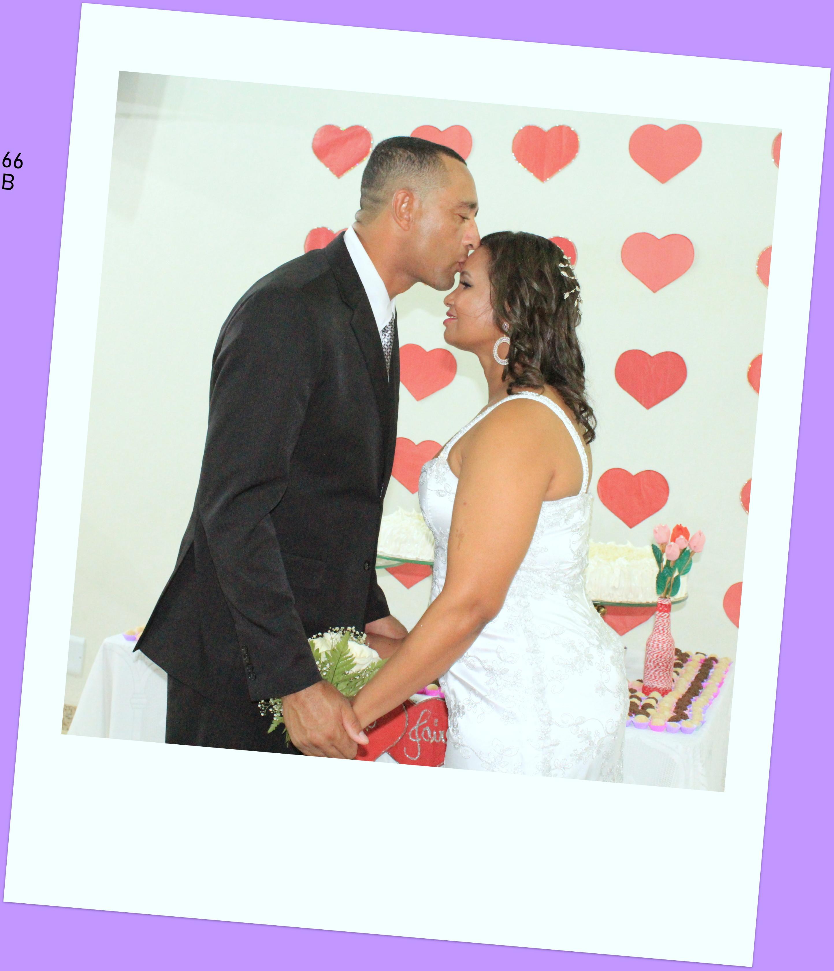 A vida é feita de momentos bons e ruins. Aproveitem intensamente os bons e estejam unidos para superar os ruins. Assim se constrói um casamento duradouro e feliz!