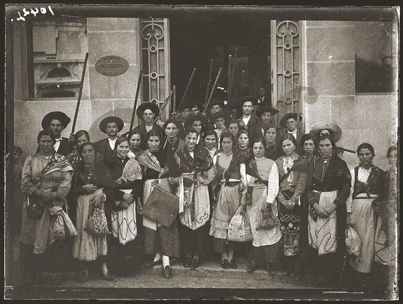 Atuação do rancho Folclórico de Ourondo Lisboa 01-Junho-1937