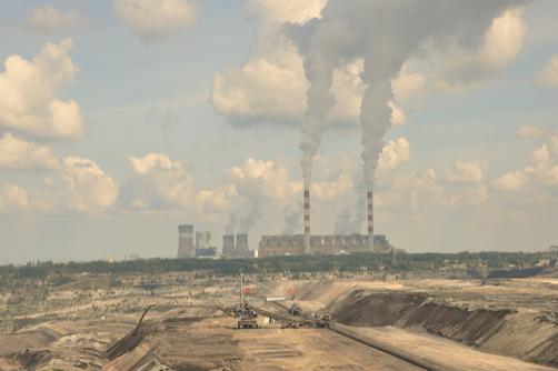 Central elétrica a carvão de Belchatow, Polónia.