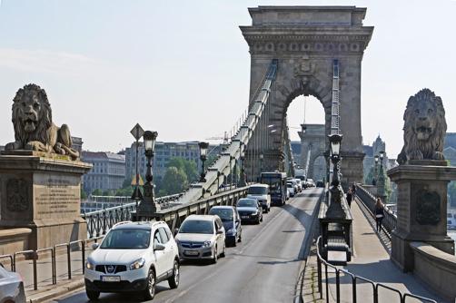 Ponte Széchenyi Lánchíd sobre o Rio Danúbio em Budapeste, Hungria.