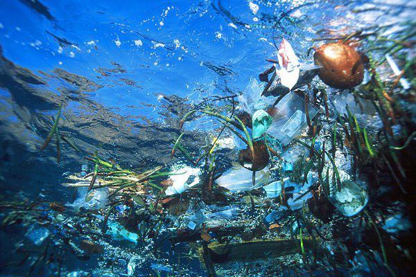 mar de lixo