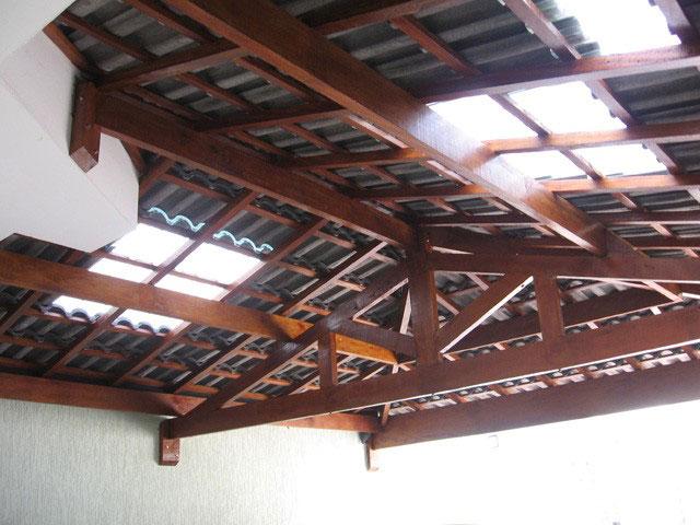 telhado com telha de vidro