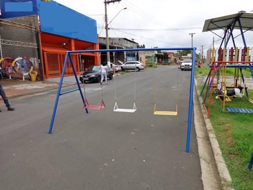 manutenção reforma brinquedos para playground