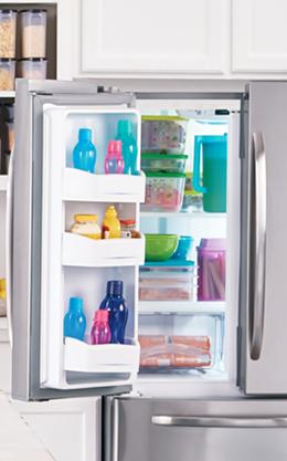 Mantenha sua geladeira organizada e alimentos frescos poupa tempo, dinheiro, espaço e reduz o desperdício.