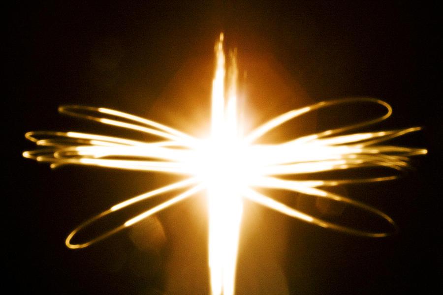 https://img.comunidades.net/val/valentimeccel/the_light_of_jesus_christ_angelica_cotos_dnfjklsdf.jpg