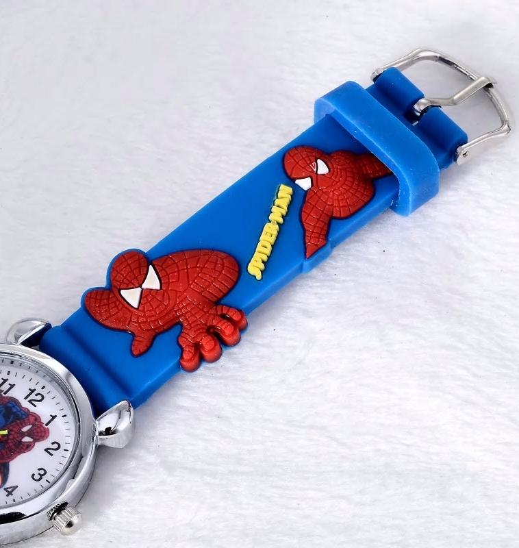 Spiderman en 3D sur une montre pour enfants, en vente sur Zappandoo.