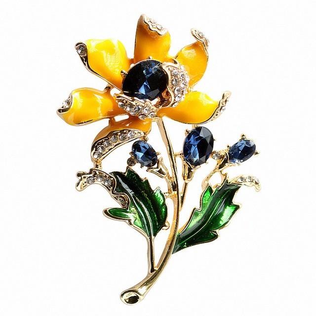 De la collection tournesol, une broche magnifique pour femme, en vente sur Zappandoo.