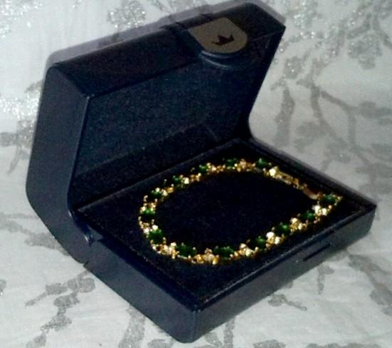 Magnifique bracelet plaqué or 18k et pierres fines, en vente sur Zappandoo.