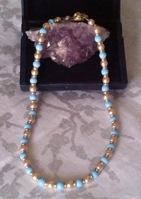 collier vintage en perles bi couleurs