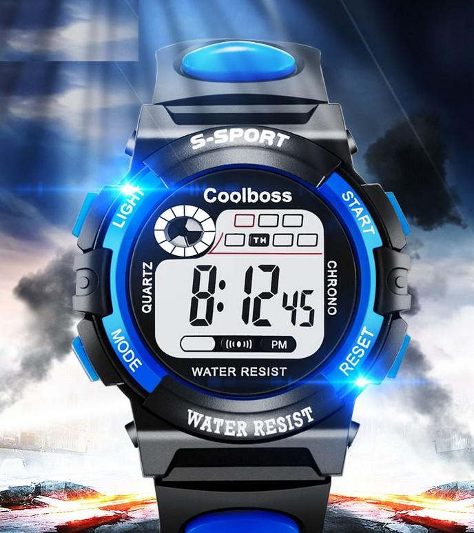 Montre led, étanche, avec calendrier et alarme, pour enfants sportifs, en vente sur Zappandoo.