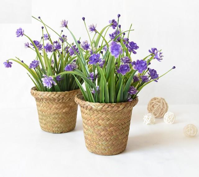 Pour optimiser et embellir vos espaces intérieurs et extérieurs, comme terrasses, balcons et vérandas, en vente sur Zappandoo, des jardinières et cache-pots originaux et tendance.