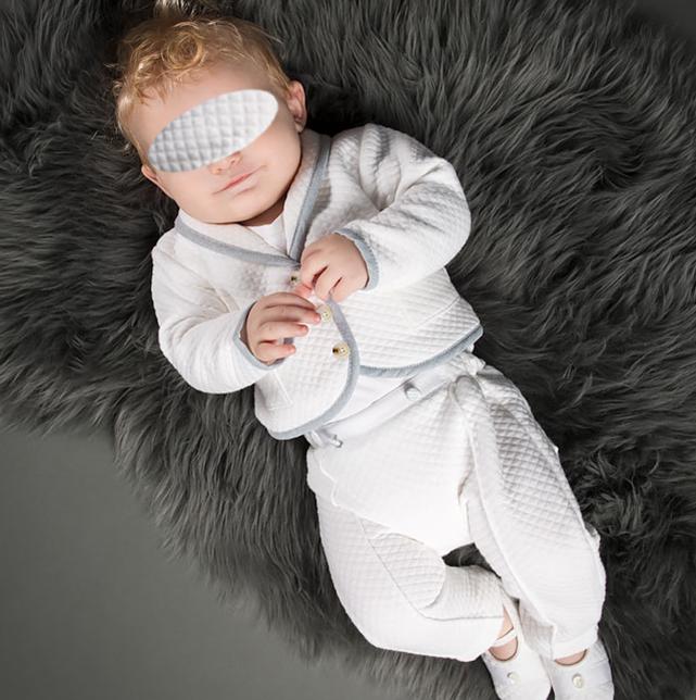 Mode textile de luxe et de cérémonie, pour Bébé Garçon, online sur Zappandoo, en exclusivité.