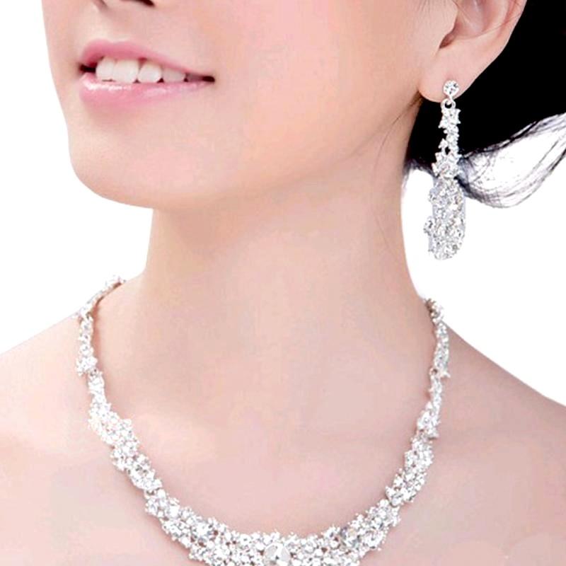 Bijoux et parures chics et tendance, en argent 925, perles naturelles et fantaisie, pour mariée,  en vente sur Zappandoo.
