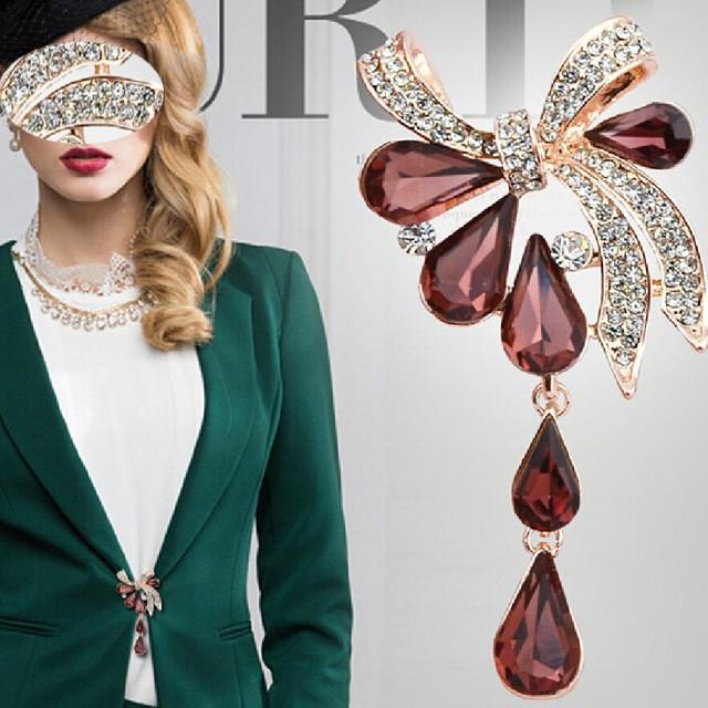 broches tendance et originales en vente sur Zappandoo, pour femme.