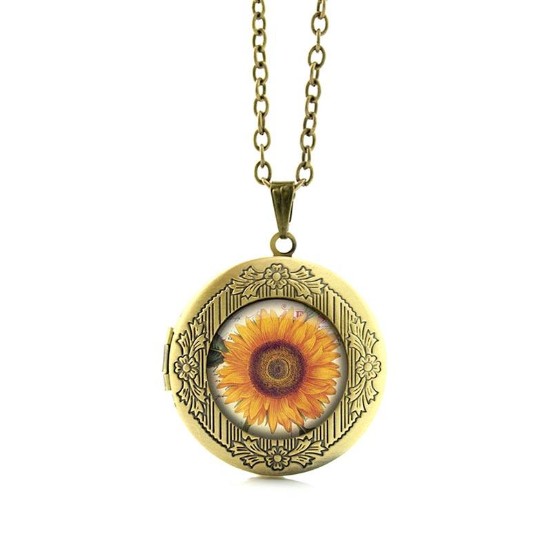 De la collection tournesol, collier avec médaillon bijoux tendance pour femme, en vente sur Zappandoo.