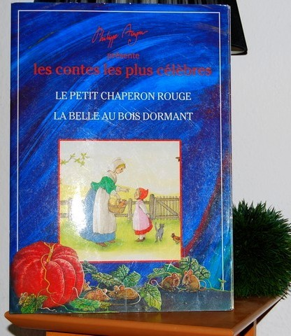 Le petit chaperon rouge et la belle au bois dormant, deux histoires intemporelles pour enfants, édition originale et rare, en vente chez Zappandoo.